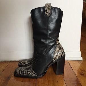 NWOT Vintage Genuine Leather Snake Skin Boots